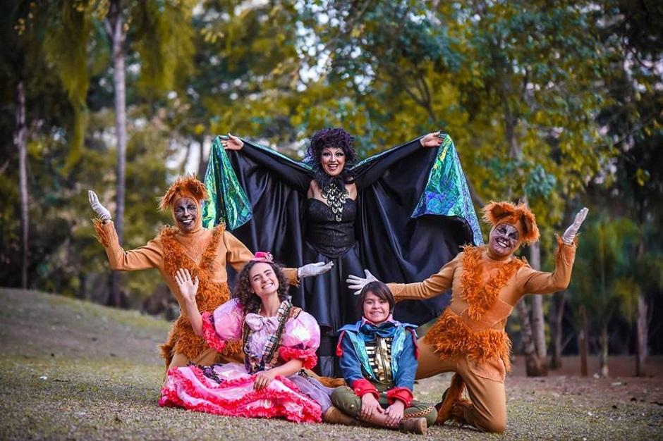 Teatro Madre Esperança Garrido recebe peça João e Maria