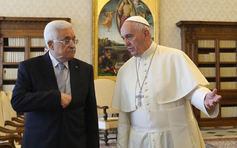 Líder palestino se encontra com papa Francisco e inaugura embaixada no Vaticano