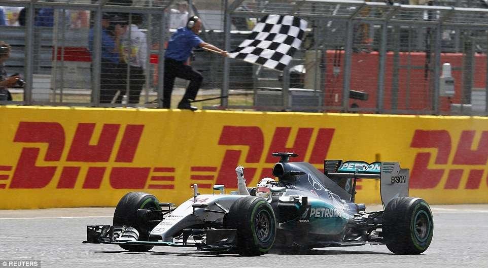 Hamilton vence em casa com Massa em quarto após liderar