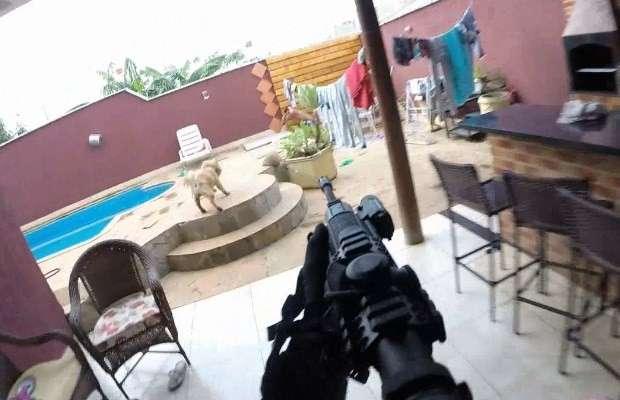 Suspeito de gerenciar tráfico é preso à beira de piscina, em Goiânia