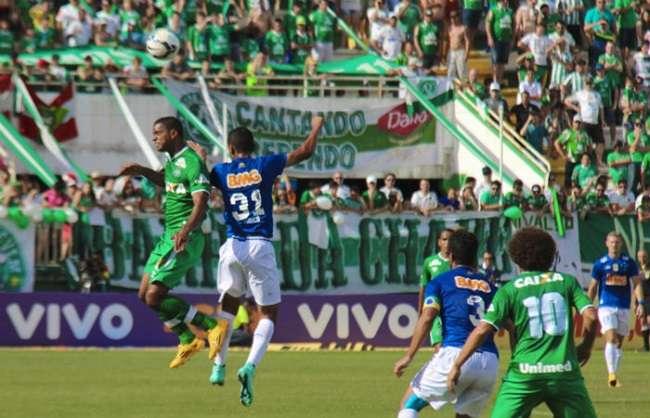 Cruzeiro reserva arranca empate com a Chapecoense