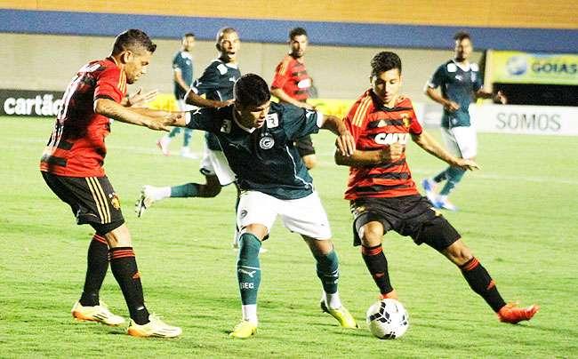 Em jogo fraco, Goiás e Sport não saem do 0 a 0