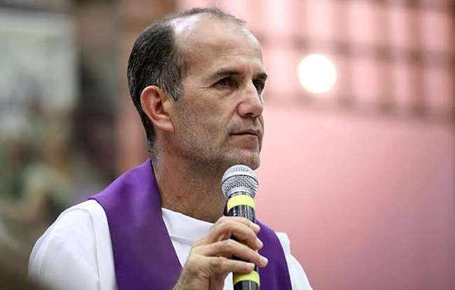 Padre Luiz Augusto é suspeito de ser servidor fantasma da Assembleia de Goiás