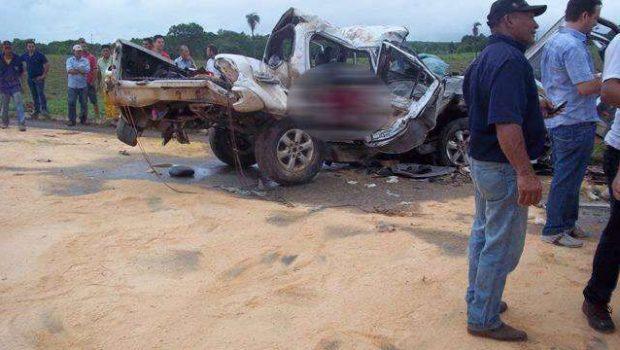 Duas pessoas morreram e três ficaram feridas em um grave acidente na BR-070