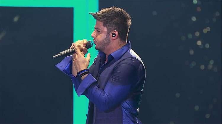 """Cristiano Araújo divulga o vídeo da música """"É Com Ela Que Eu Estou"""""""