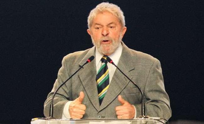 Em discurso no Paraná, Lula defende Copa e legado do PT