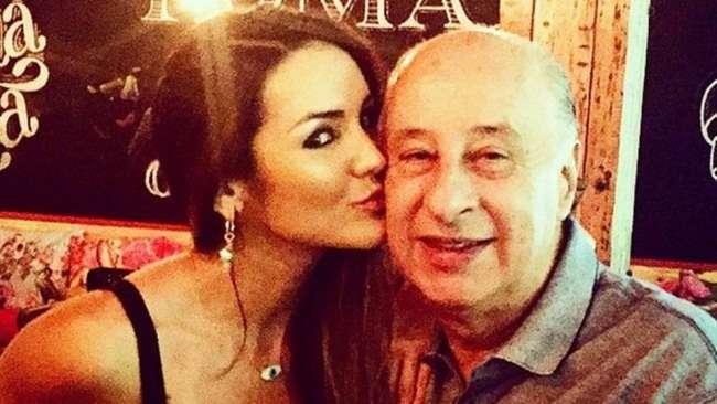 Musa do Bahia anuncia fim do namoro com futuro presidente da CBF