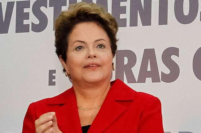 PT pede registro de candidatura de Dilma