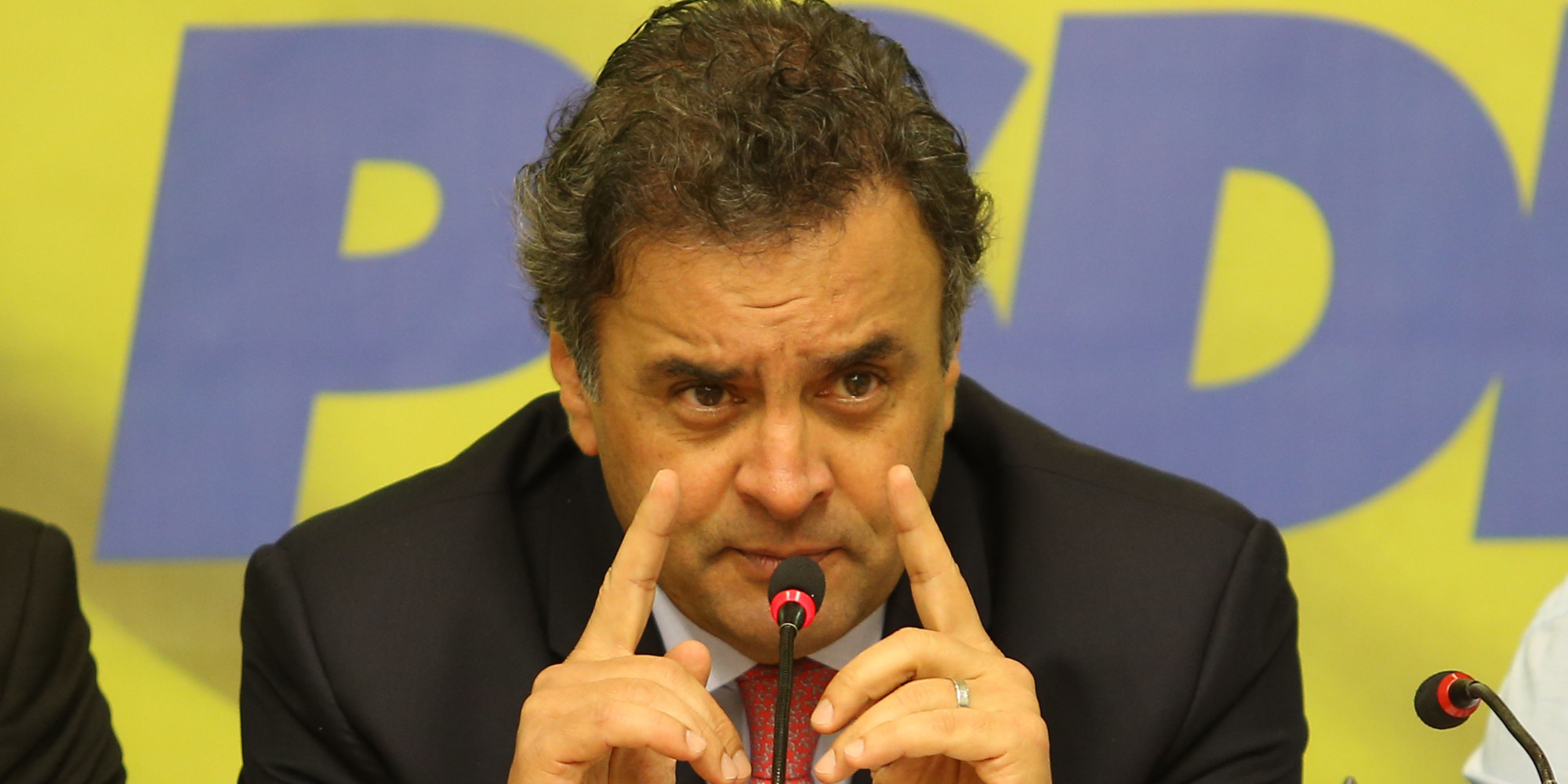 Aécio interrompe giro pelo País para tentar evitar derrota em BH