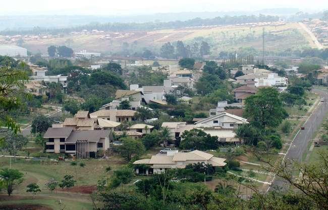 Condomínio fechado de Goiânia não pode exigir CNH de visitantes