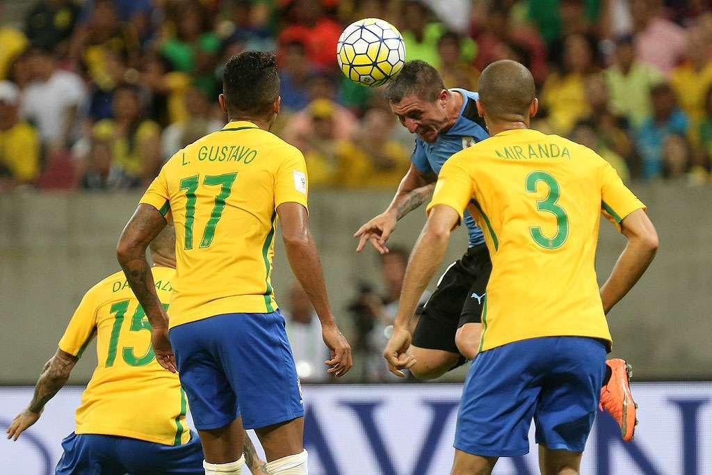 Seleção Brasileira abre 2 a 0, mas cede empate ao Uruguai