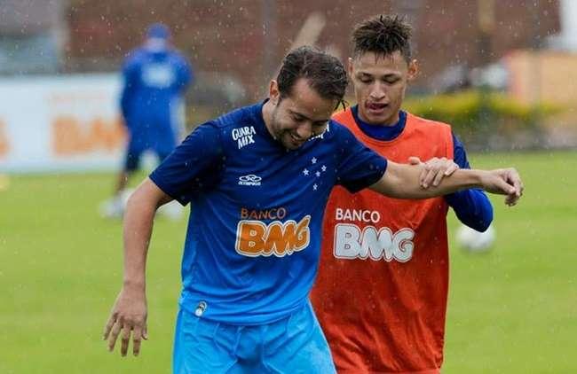 Cruzeiro nega atrasos em pagamentos e ataca presidente do São Paulo