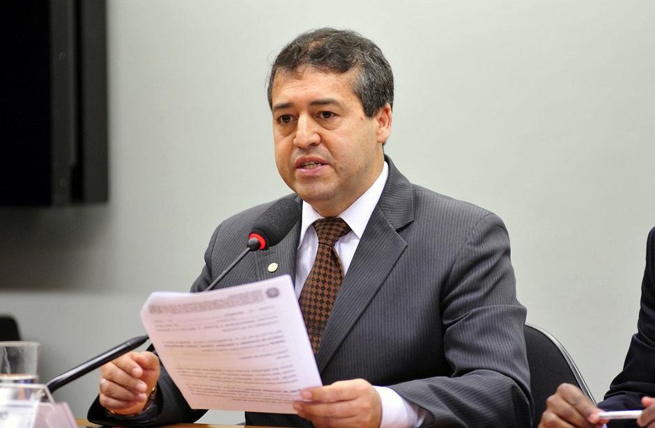 Ministério nega que jornada diária de oito horas de trabalho aumentará