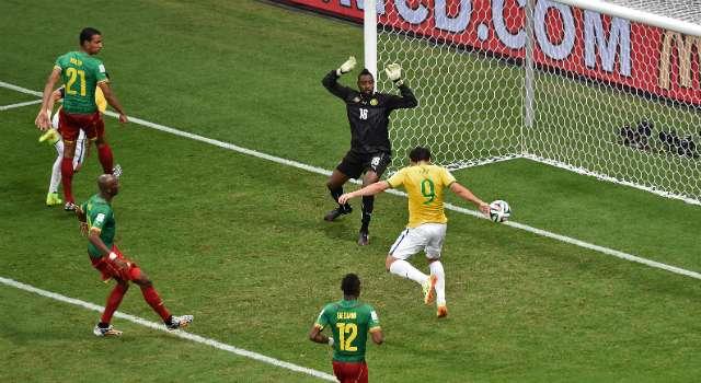 Fifa admite erro na linha de impedimento no gol de Fred