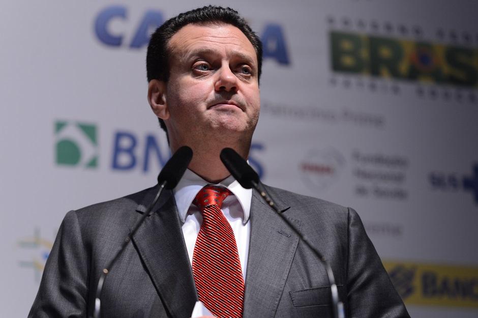 Kassab volta a falar de limitar a banda larga brasileira
