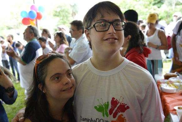CaminhaDown reúne cerca de 300 pessoas em parque de Brasília