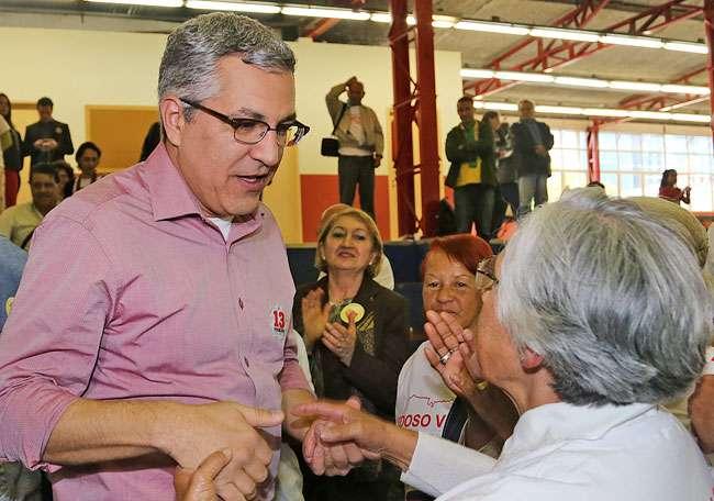 PT vai ao TRE para exigir cobertura de Padilha na Globo