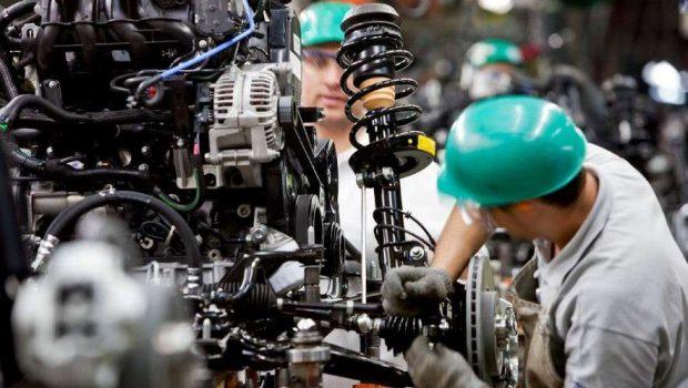 Produção industrial do país cai 0,7% em novembro, diz IBGE