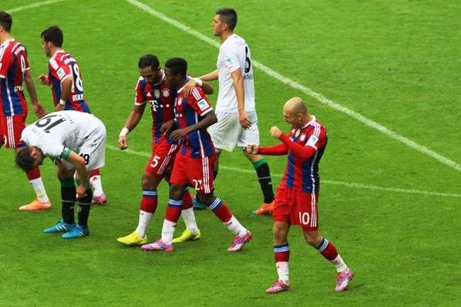 Bayern goleia com show de Robben e Lewandowski