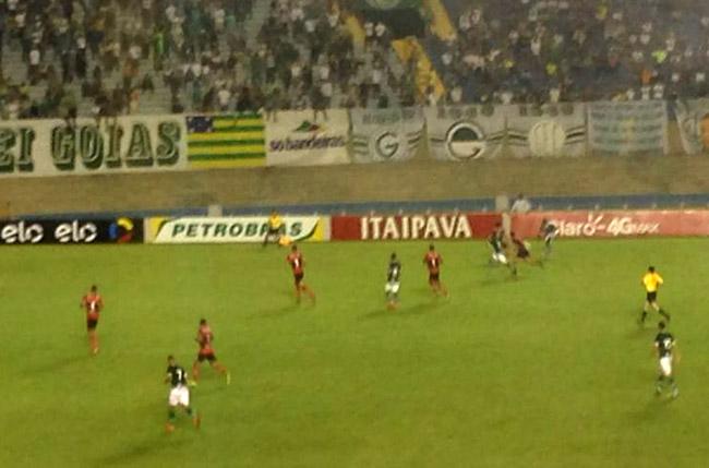 Goiás vence, mas vê Ituano avançar às quartas