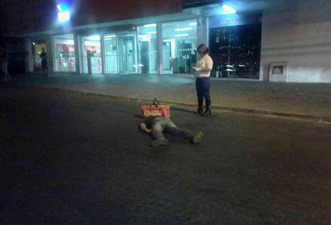 Jovem é morto a tiros na Vila Brasília