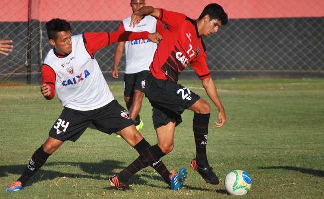 Com desfalques, Atlético se ajusta para jogo contra Ceará