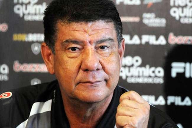 Vasco confirma retorno do técnico Joel Santana