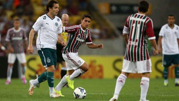Na volta de Fred, Flu vence Goiás e vira vice-líder