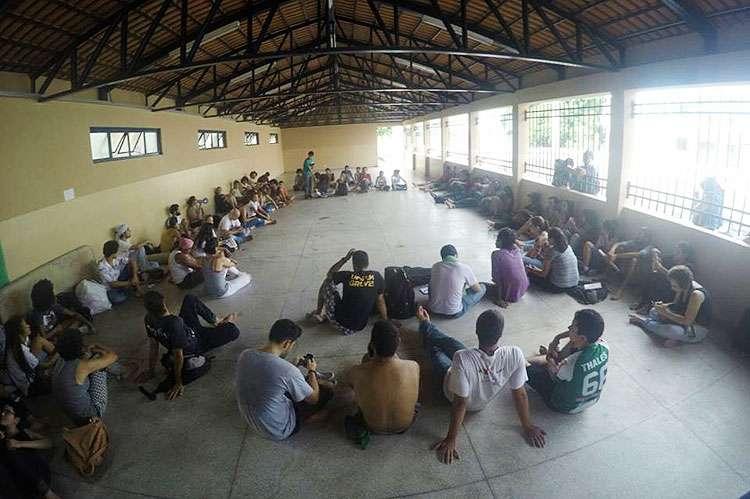 Estudantes ocupam o Lyceu; são três escolas ocupadas em três dias