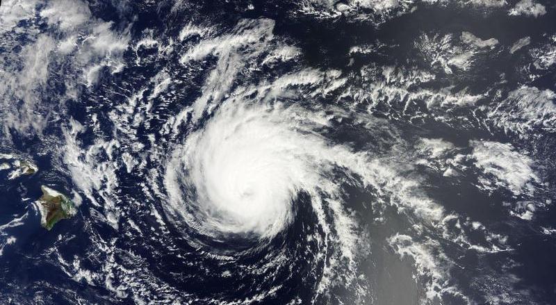 Furacão Newton tem ventos de 150 km/h após chegar ao México, diz centro dos EUA