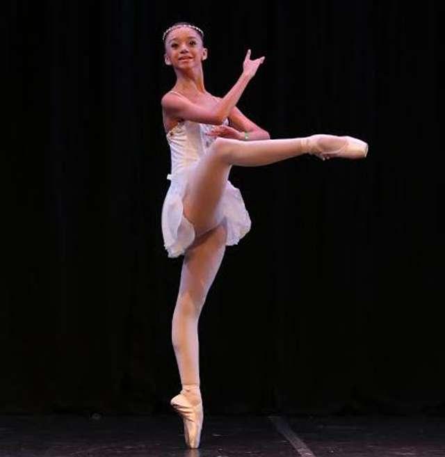 Bailarina do Basileu França é premiada em festival de Nova York