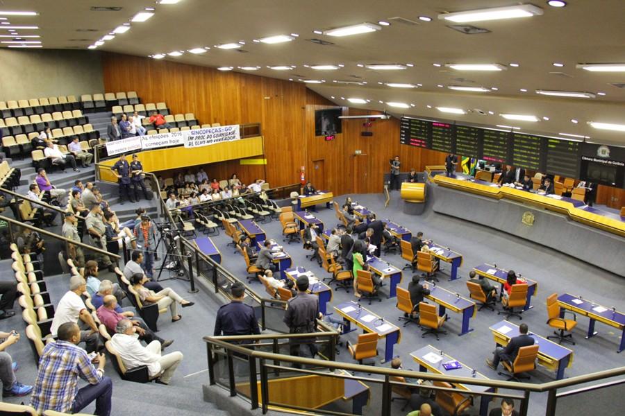Projeto promove participação de universitários na Câmara