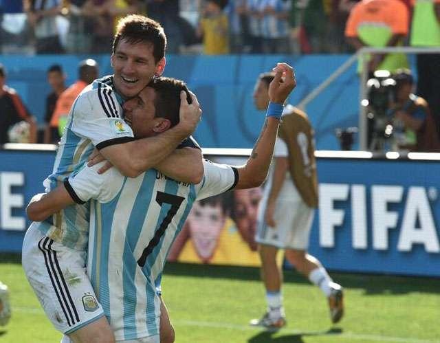 Argentina vence a Suíça na prorrogação e vai às quartas