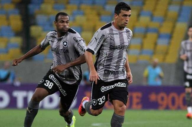 Botafogo e Ceará duelam pelas oitavas da Copa do Brasil