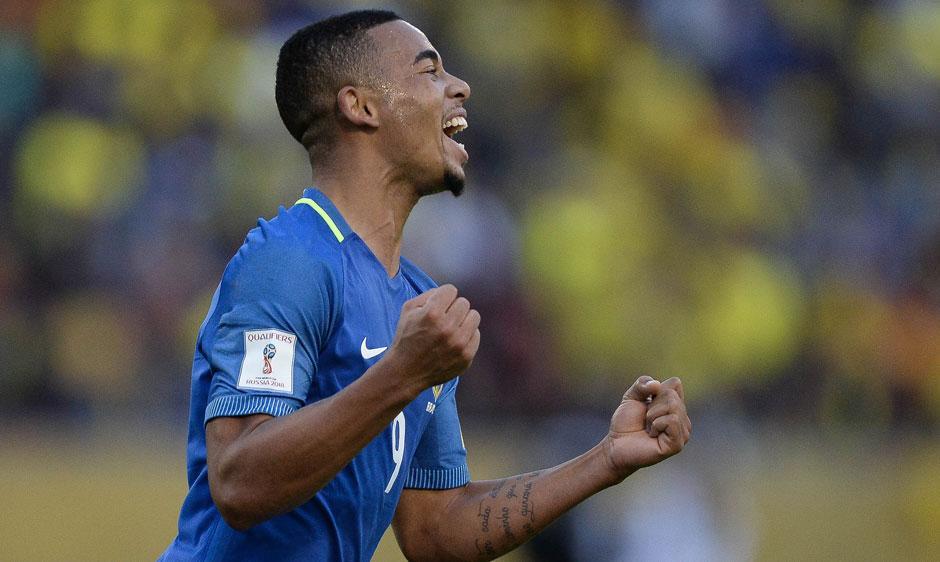 Com 2 gols, Gabriel Jesus comemora 1º jogo na seleção: 'Não tinha estreia melhor'