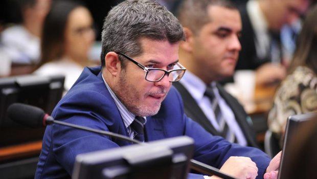 'Passei a ser ameaçado pelo líder do meu partido', diz delegado Waldir
