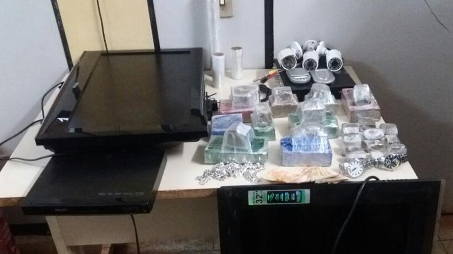 PM estoura ponto de venda de drogas que tinha até sistema de videomonitoramento