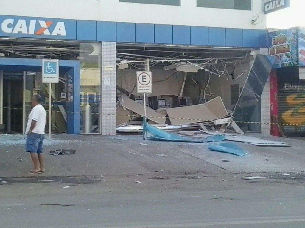 Bandidos explodem caixa eletrônico no Setor Maysa 1, em Trindade