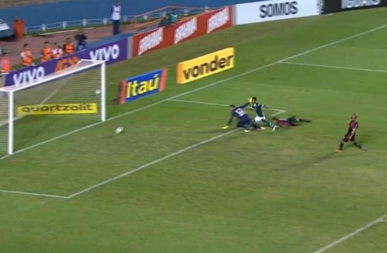 Goiás vence a primeira no Campeonato Brasileiro