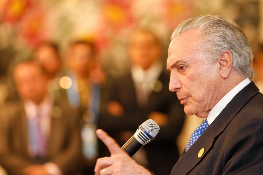 Reforma trabalhista proposta por Temer quer alterar CLT e ampliar terceirização