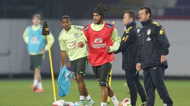 Neymar é poupado em treino da seleção em Viena