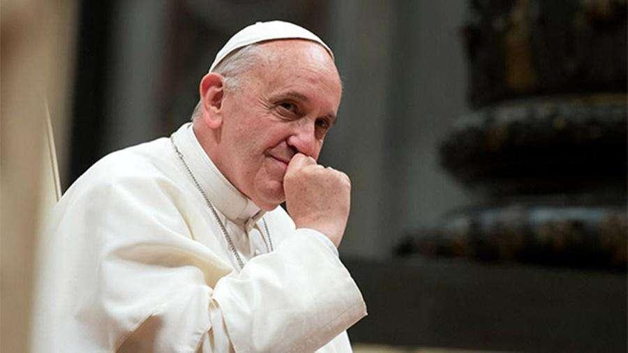 Papa diz a crianças que imigrantes estão em perigo