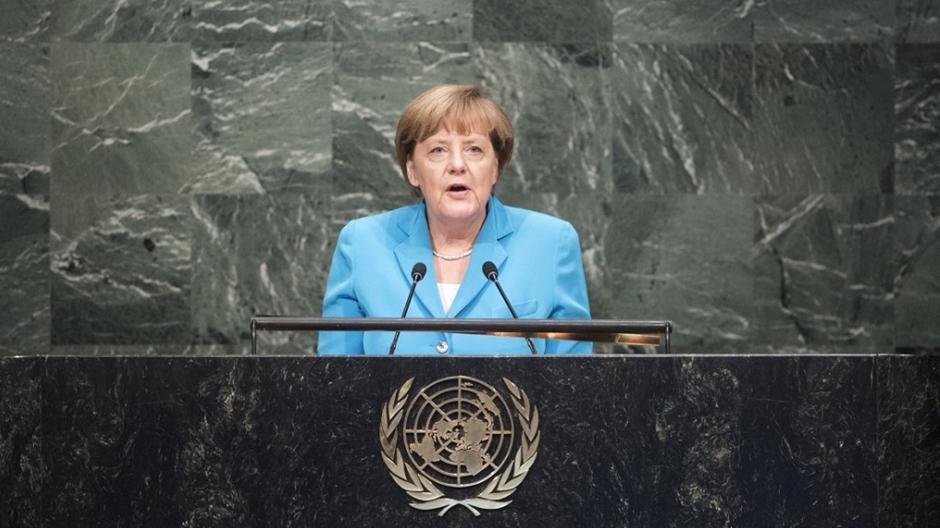 Grupo de Merkel lidera com folga pesquisa para eleição em setembro