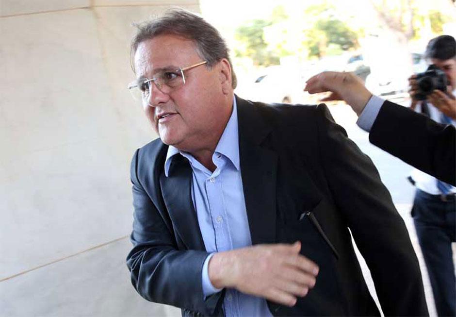 Conselheiro volta atrás e Comissão de Ética abre processo contra Geddel