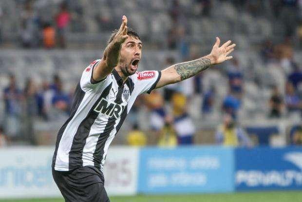 Galo vence o Cruzeiro no Mineirão e se classifica para final