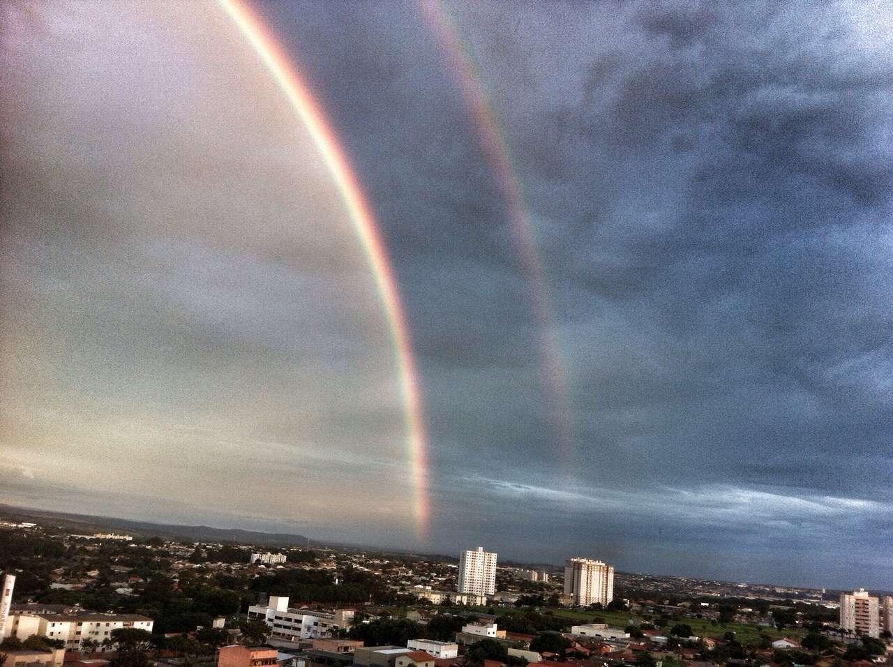 Chove em Goiânia na tarde desta terça-feira