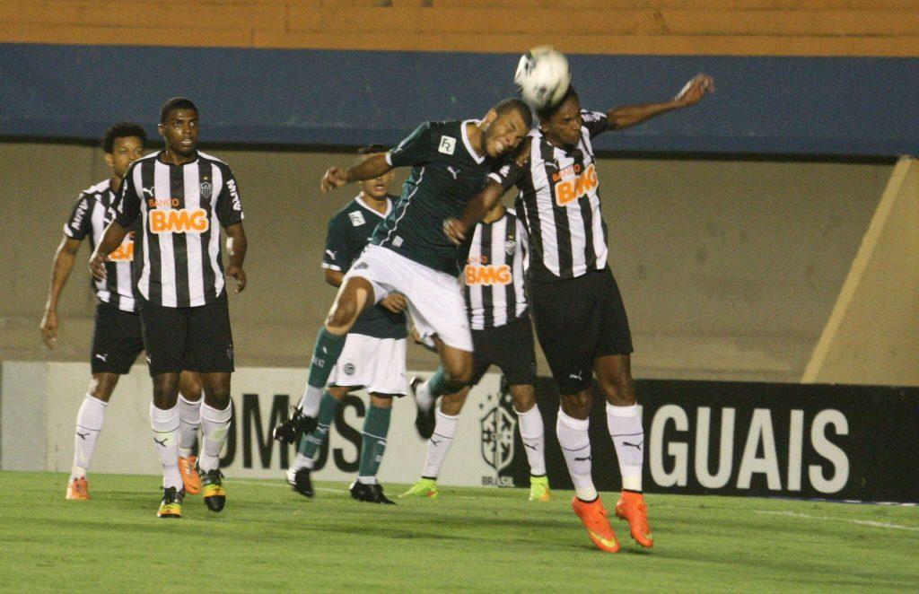 Goiás luta, mas perde para Atlético-MG