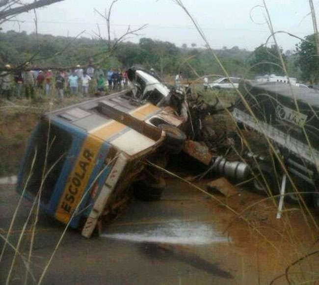 Homem furta ônibus escolar e causa a morte de três pessoas na BR-158