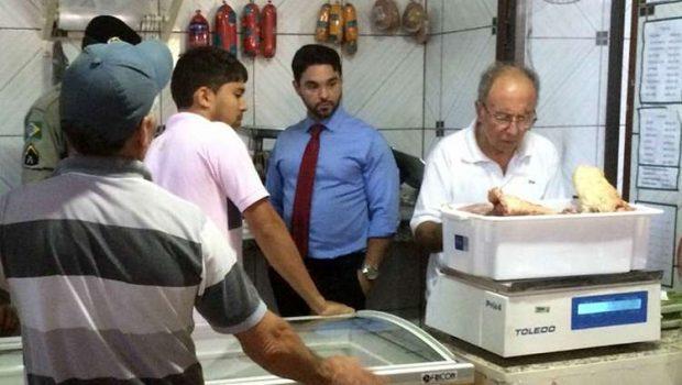 Fiscalização reprova 12 locais que comercializam carne em Jussara
