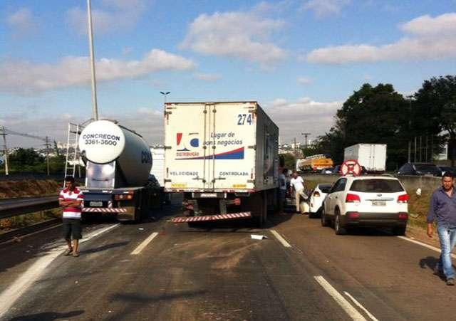 Acidente deixa congestionamento de seis quilômetros na BR-153
